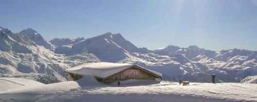 Chamanna im Skigebiet Corviglia