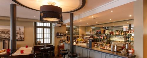 01Bar • Café • Restaurant • Täglich frische Mittagsmenüs